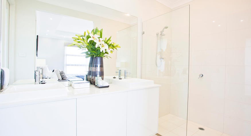 essington-elite-bathroom-flowers2
