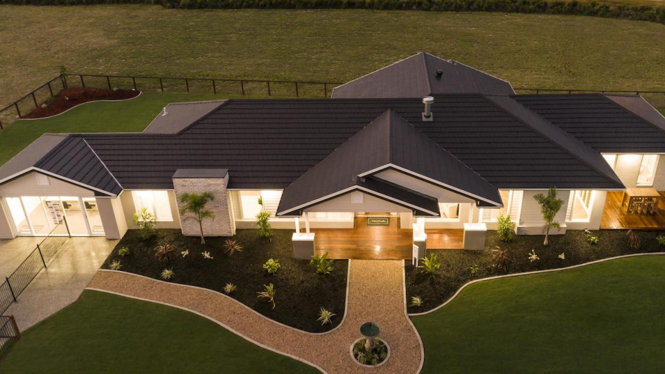 bristile-roofing-planum-and-integrated-solar-tile_47515626412_o