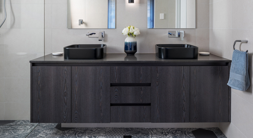 25036-LAKEHOUSEbathroomvanity