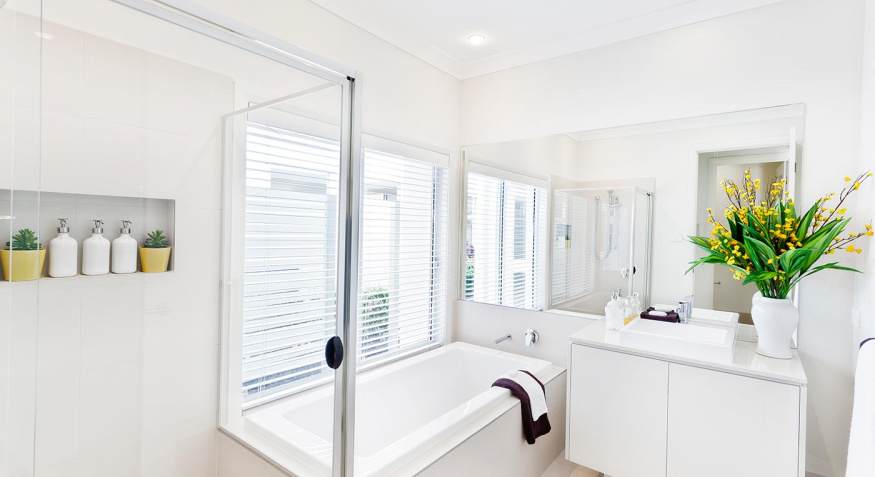mcdonald-jones-home-builders-hamilton-three-bathroom_0
