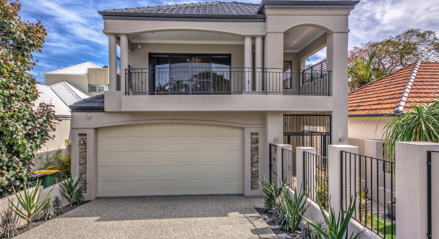 1 House Frontage 13a Matheson
